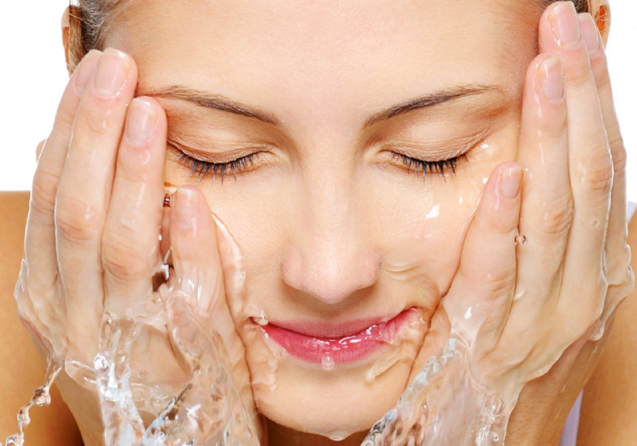 Cách chăm sóc da ở nhà phù hợp - Giúp bạn sạch mụn